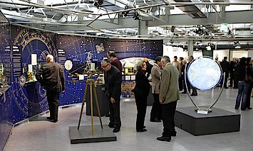 Visitors in the exhibition Globe