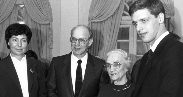 Heinz Nixdorf with wife Renate, mother Änne and eldest son Martin