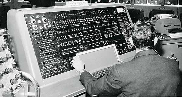 Univac Computer HNF - Computers in pos...