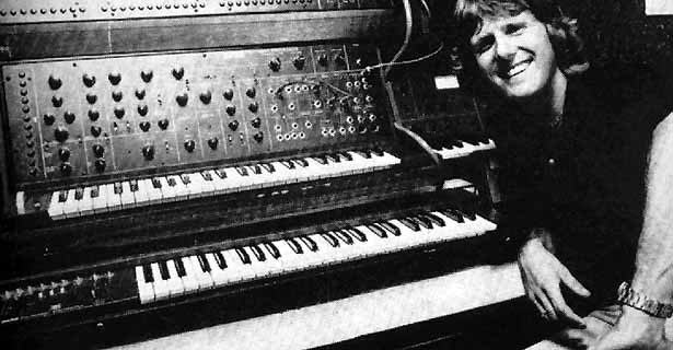 Keith Emerson am Moog-Synthesizer